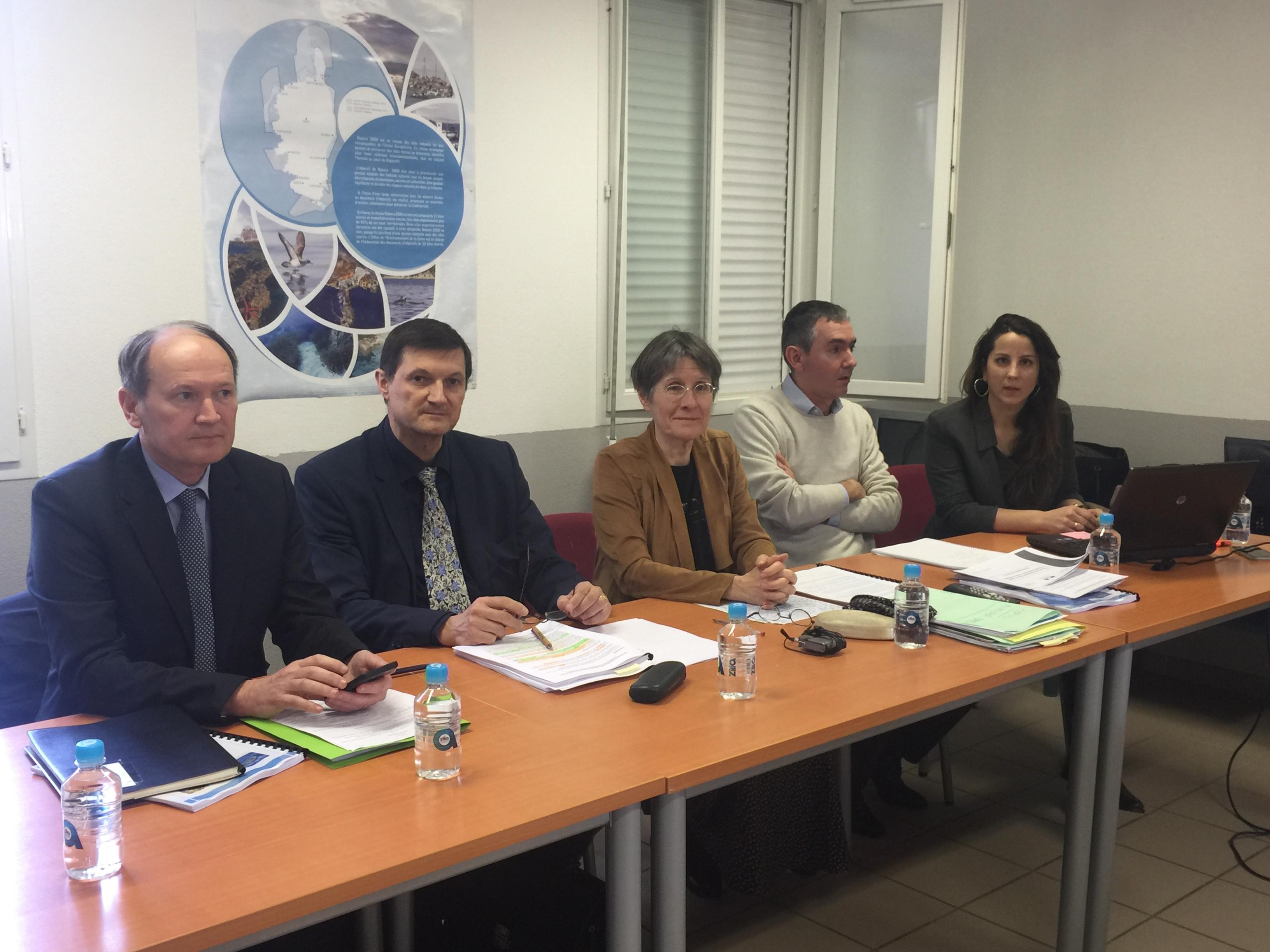 Agnès Simonpietri, présidente de l'Office de l'Environnement de la Corse, Magali Cannac, chargée du dossier, Thierry Duchesne, adjoint au préfet maritime de la Méditerranée, Pascal Vardon (DDTM) et Henri Retali (Dreal).