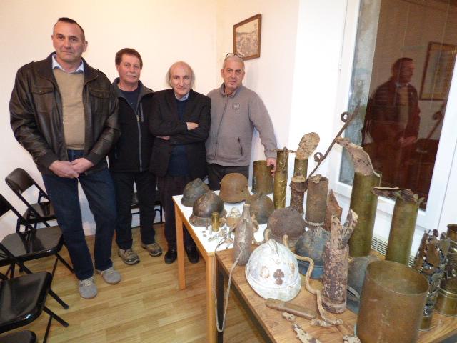 Les conférenciers invités par Jacques Culioli à gauche et la mairie de Solaro. Une bonne manière de dynamiser culturellement les villages de l'intérieur.