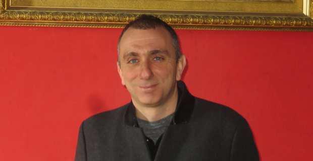 Jean-Christophe Angelini, président de l'Office foncier de Corse, dans le salon du château.
