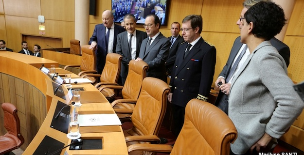 Après la visite de François Hollande : L'amertume au cœur du débat