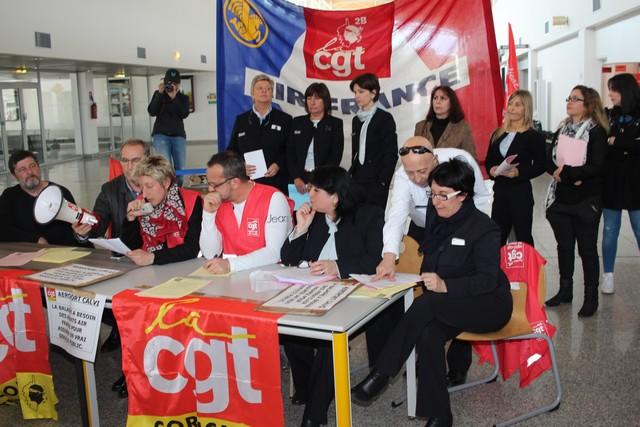 Calvi : Le comptoir-vente Air-France de l'aéroport fermera  bien le 30 avril