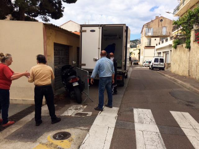 Chaîne de solidarité à Calvi pour la Croix-Rouge