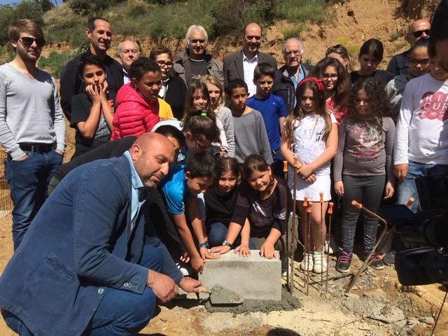 Ecole et espace sportif de Belgodere : Pose de la première pierre