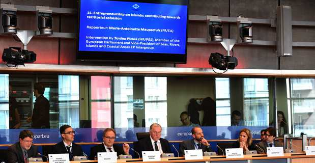 Union européenne : Le rapport de Nanette Maupertuis sur la défense des entreprises insulaires adopté à Bruxelles