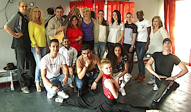 Dernière répétition pour les danseurs du BNDC et le groupe I cetirini avant le départ pour la Tunisie
