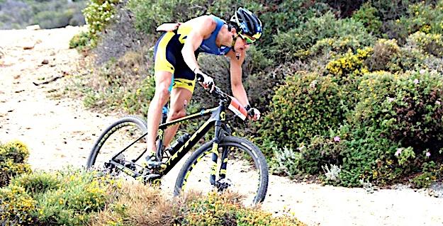 Brice Daubord sacré champion  de France de Cross Triathlon 2017 à Calvi