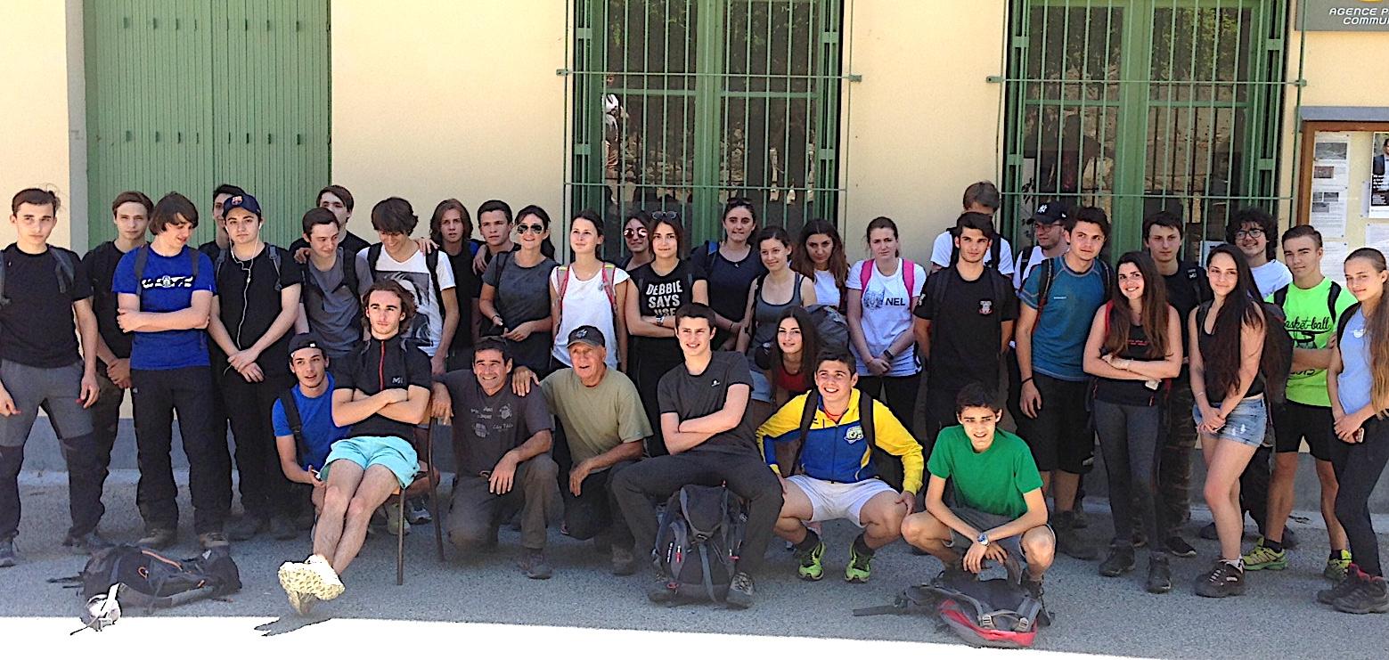 Les élèves de la section montagne des classes de Première du lycée Jeanne-D'Arc de Bastia
