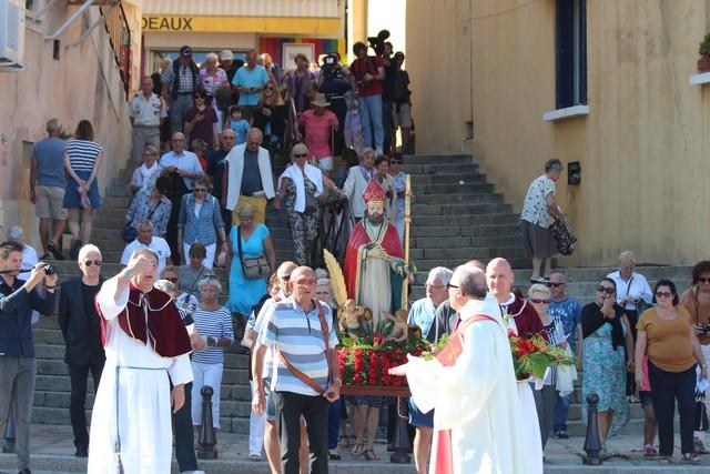 """Hommage aux victimes du """"Balkan"""" et  procession de Saint Erasme à Calvi"""