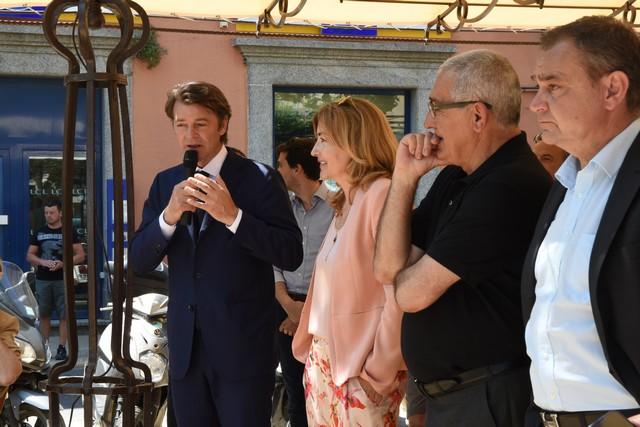 Un accueil chaleureux pour François Baroin à L'Ile-Rousse