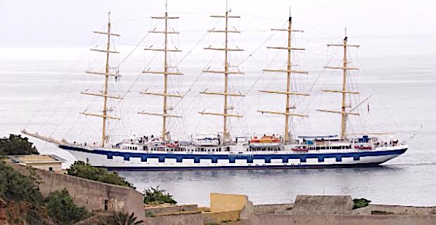 Le « Royal Clipper » à Bastia : Un joyau dans le port