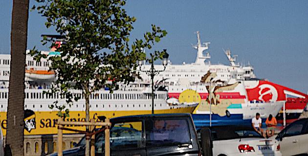 Corsica Ferries, Moby Lines, Corsica Linea : il y a du monde dans le port de Bastia…