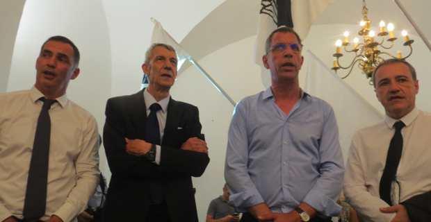 Les leaders nationalistes autour du nouveau député de Bastia.