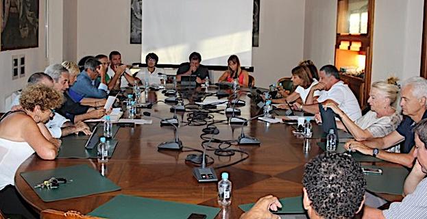 Conseil municipal de Calvi : Subventions aux associations, réflexion sur un nouveau marché couvert...