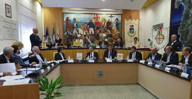 Le Conseil permanent corso-sarde, présidé par les présidents des deux assemblées, Gianfranco Ganau et Jean-Guy Talamoni.