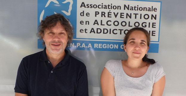Serena Subrero, psychologue et Antoine Granier éducateur spécialisé au Centre d'Accueil et d'Accompagnement à la Réduction des Risques pour les Usagers de Drogues de l'ANPAA Corse.
