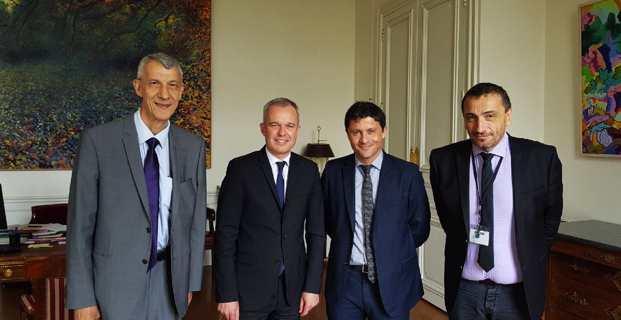 Les trois députés nationalistes corses, Michel Castellani, Jean-Félix Acquaviva et Paul-André Colombani, avec le président de l'Assemblée nationale, François de Rugy.