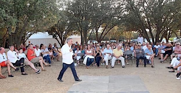 Plus de 250 personnes à Lumio  pour le rendez-vous de l'été avec Xavier Bertrand
