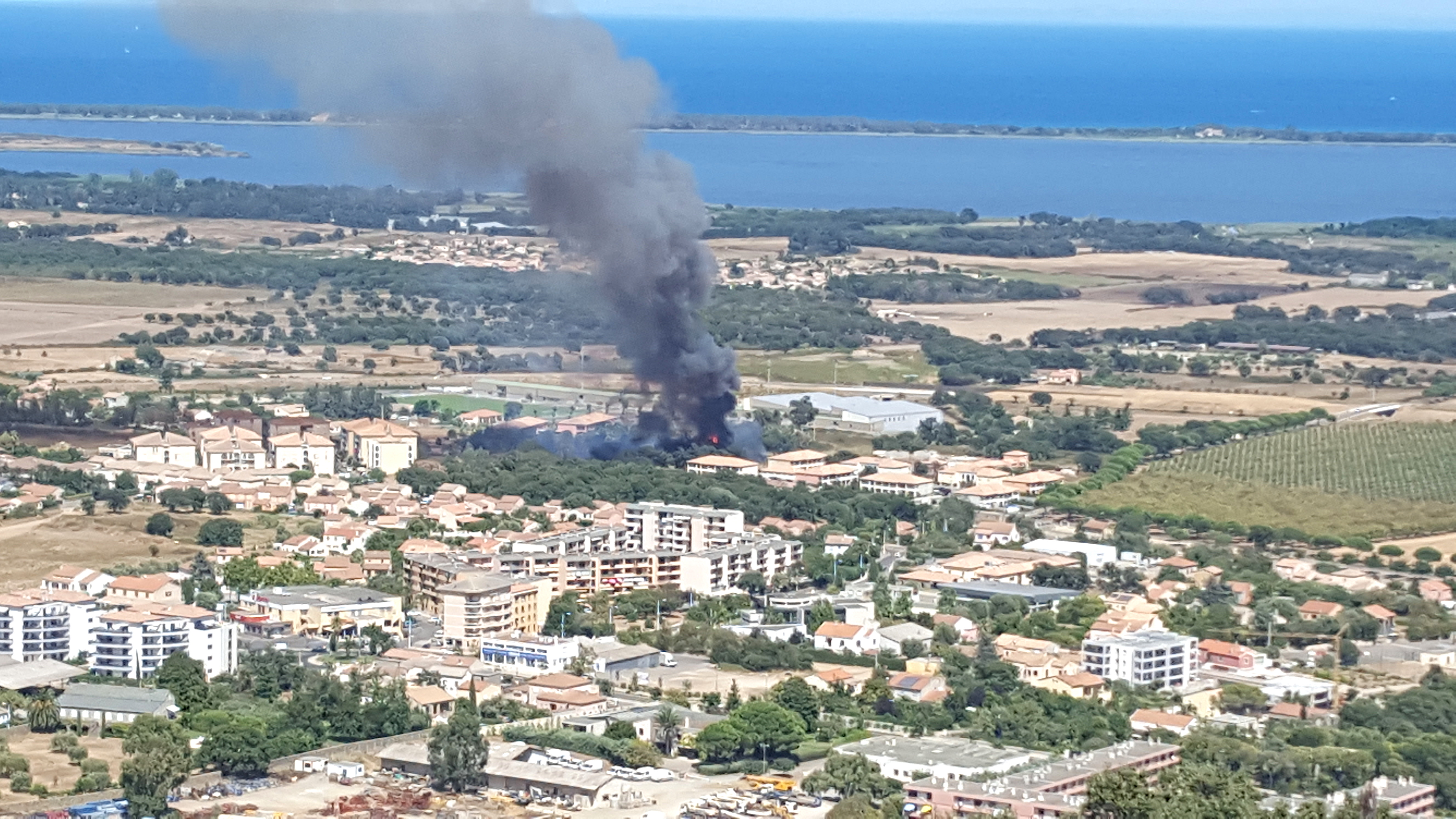 Le feu en milieu périurbain à Borgo
