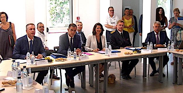 Bastia : Agnès Buzyn, ministre des Solidarités et de la Santé, prend le pouls de l'hôpital