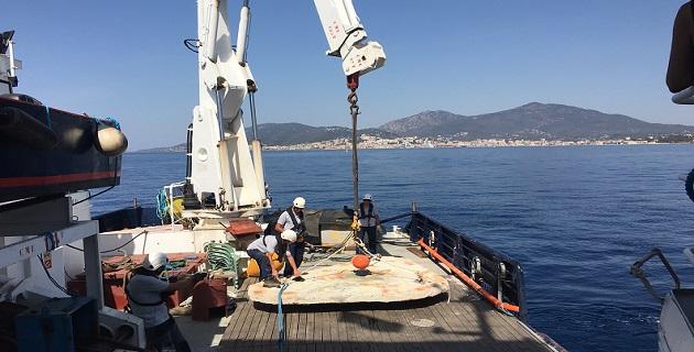 Immersion de récifs artificiels dans le fond du golfe d'Ajaccio