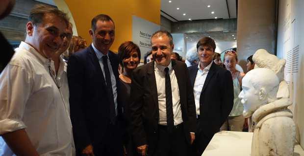 Michel Edouard Nigaglioni, en compagnie des présidents Simeoni et Talamoni lors de l'inauguration. Photo Christian Andreani.