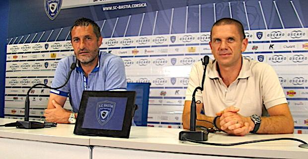 L'entraineur Stéphane Rossi et le président Claude Ferrandi lors de la conférence de presse vendredi