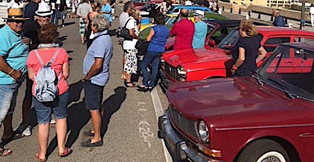 Parade de voitures anciennes à Calvi et montée historique à Moncale