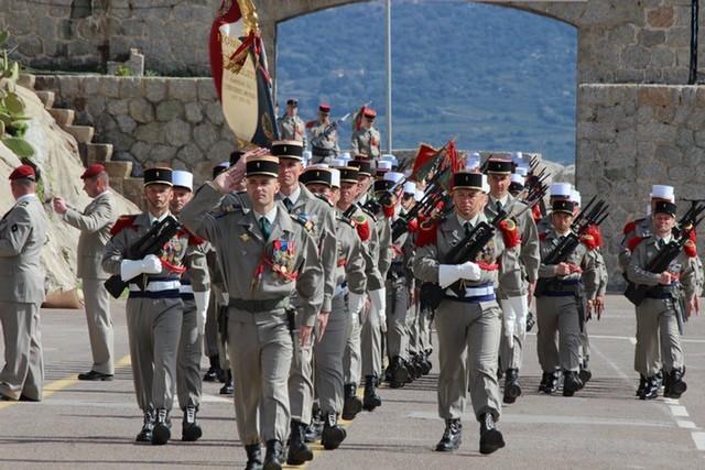 Le 2e Régiment Etranger de Parachutistes fête Saint Michel et ses 50 ans de présence à Calvi