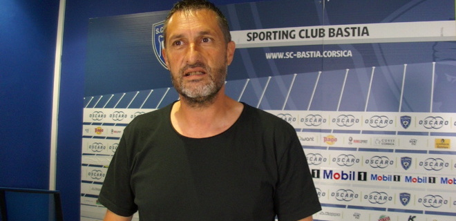 L'entraîneur du SCB, Stéphane Rossi ambitieux au Cannet