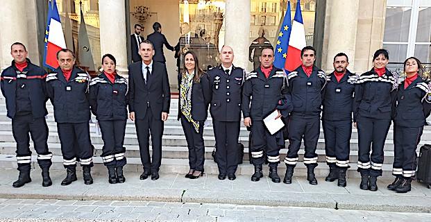 Arrivée au palais de l'élysée de la délégation du SDIS2A avec Charles Voglimacci, président du SDIS et Marie Zuccarelli, 1ère vice-présidente (Sdis2A)