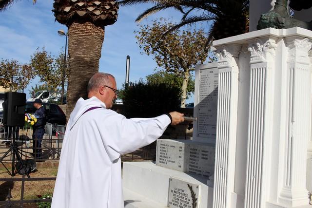 Bénédiction du Monument aux Morts de Calvi par l'Abbé Ange Michel Valery