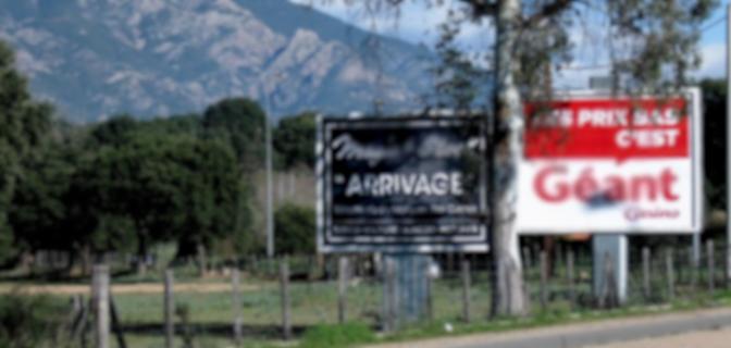 """Corse-du-Sud : """"Paysages de France"""" obtient les premiers démontages de panneaux publicitaires illégaux"""
