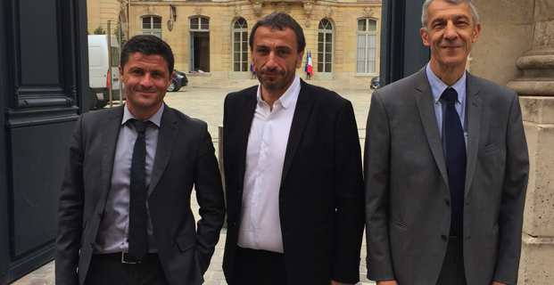 Les trois députés Pè a Corsica, Jean-Félix Acquaviva, Paul-André Colombani et Michel Castellani.