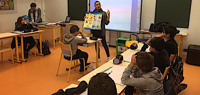 Anne Malaspina, ambassadrice du tri à la CAB, prêchant la bonne parole aux élèves de CM1/CM2 de l'école Charles Andrei à Bastia….