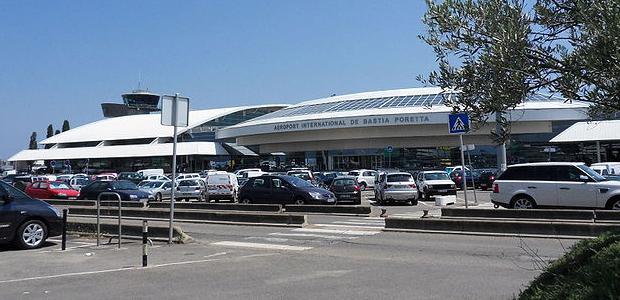 Un mort et deux blessés par balles à l'aéroport de Bastia-Poretta