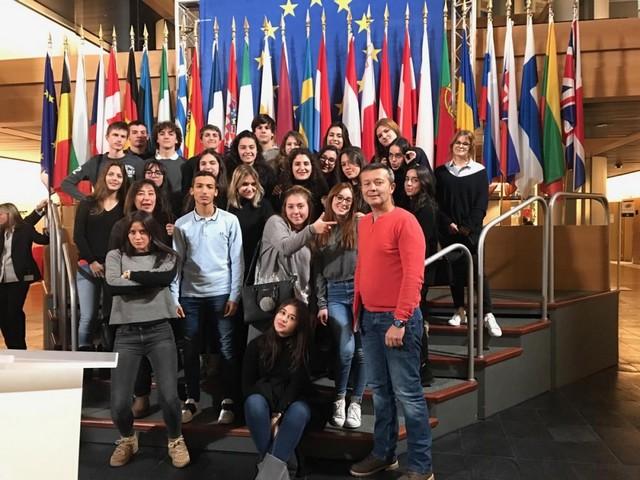 Une classe de Terminale ES du Lycée de Balagne au Parlement Européen