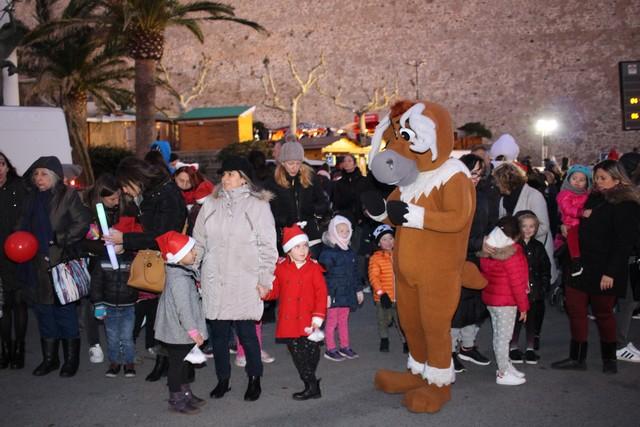 Parade de Noël nocturne à Calvi