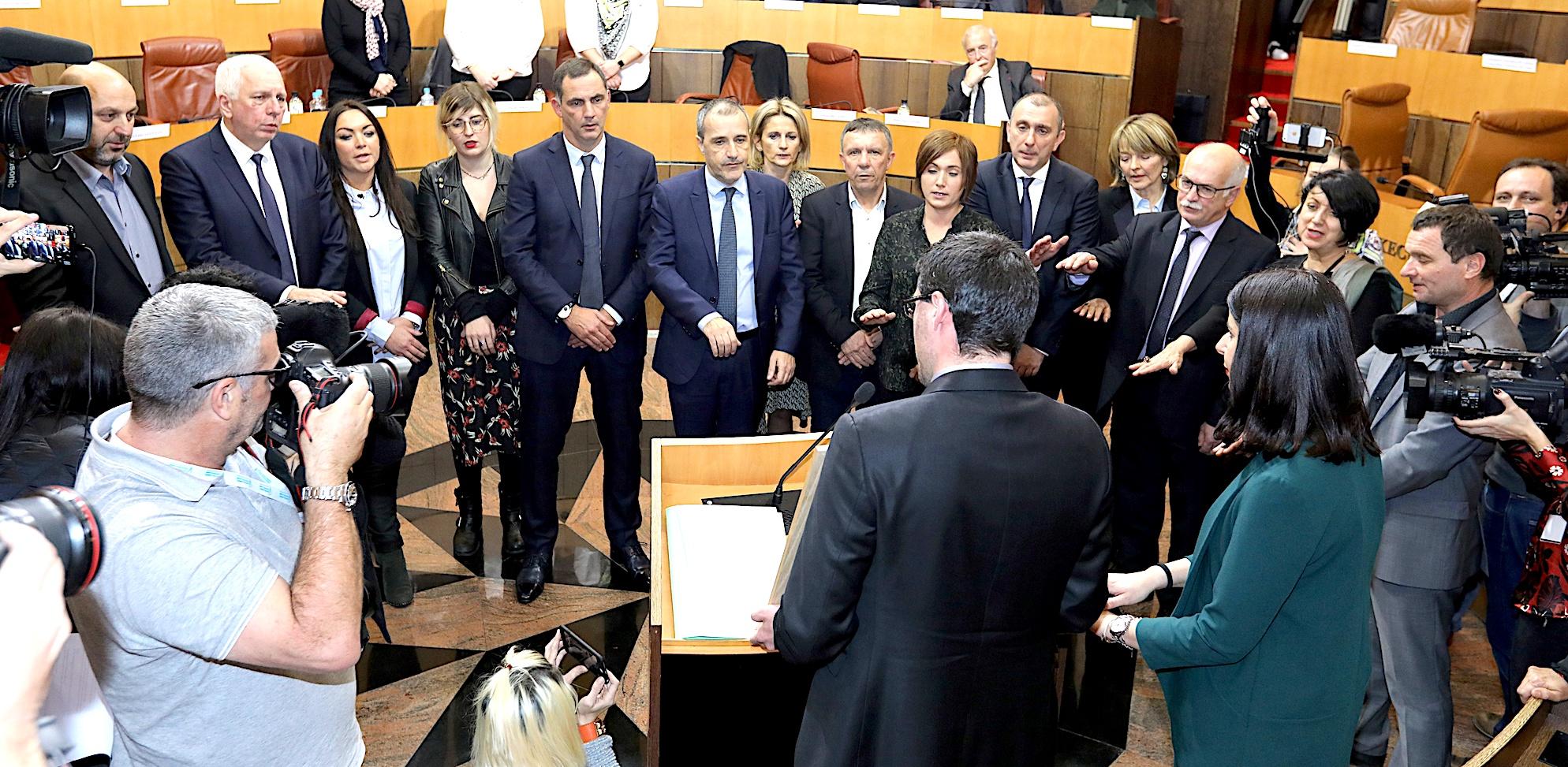 Le serment des membres de l'Exécutif et du président de l'Assemblée de Corse (Photos Marilyne Santi)
