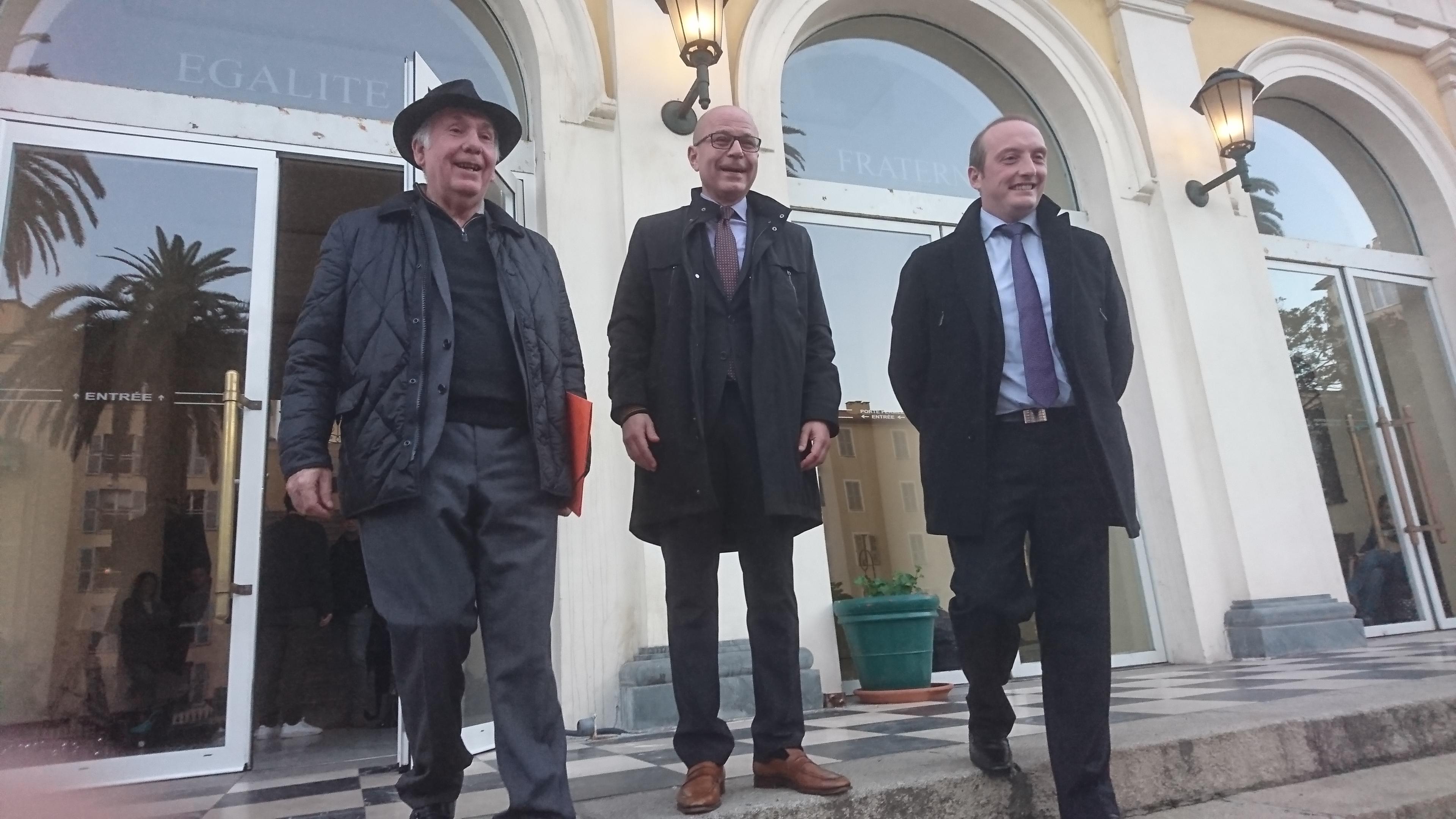Jean-Jacques Panunzi, Jean-Jacques Ferrara et laurent Marcangeli, à leur sortie de la préfecture ajaccienne, vendredi soir.