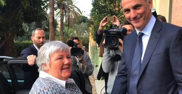 La Madame Corse du gouvernement, la ministre Jacqueline Gourault, accueillie à son arrivée à l'hôtel de région à Ajaccio par le président du Conseil exécutif de la nouvelle collectivité de Corse, Gilles Simeoni.
