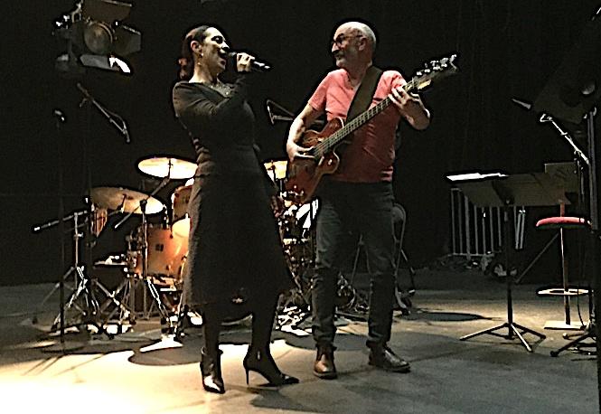 ": ""Versuniversu"" spectacle conçu par Patrizia Poli et Pascal Arroyo, vendredi au CC L'Alb'Oru à Bastia"