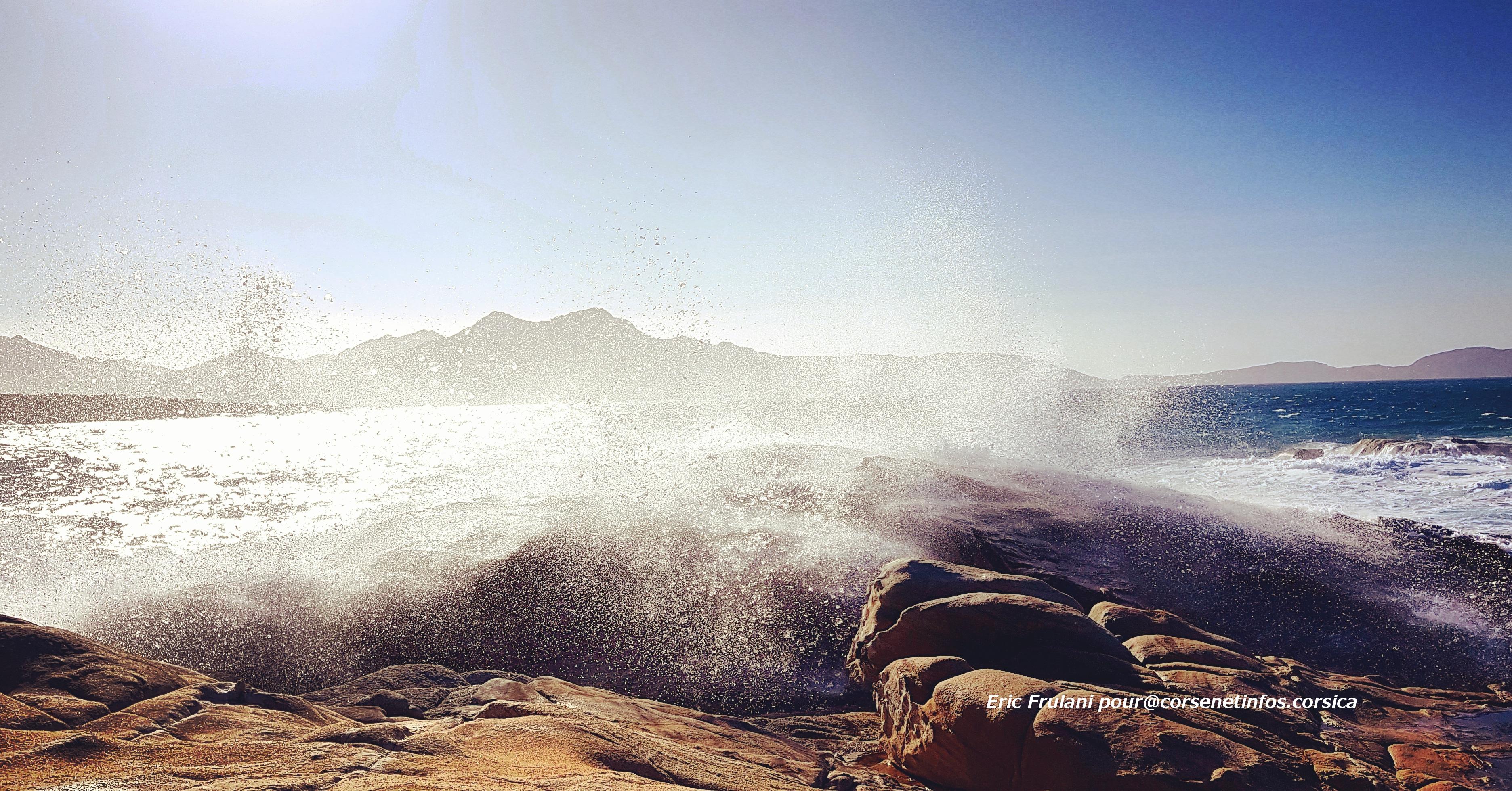 La photo du jour : Dans la baie de Calvi…
