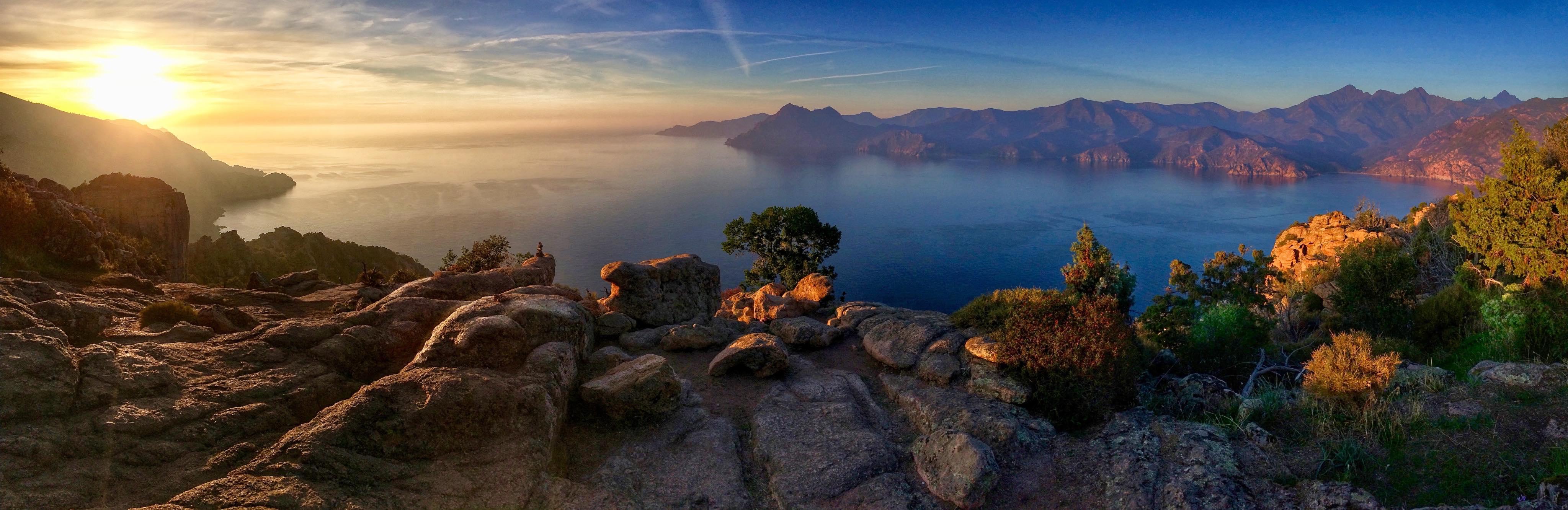 La photo du jour : Admirable coucher de Soleil sur Portu