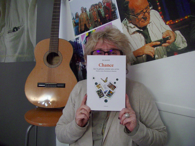 """""""Chance, sur le gâteau comme une cerise"""", le  livre en chansons de Isa Manzi"""