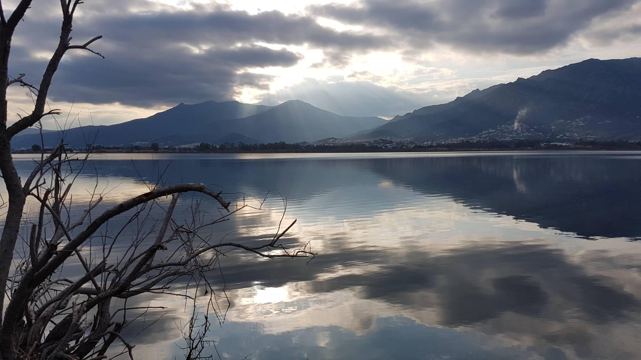 La photo du jour :  La quiétude de l'étang de Chjurlinu