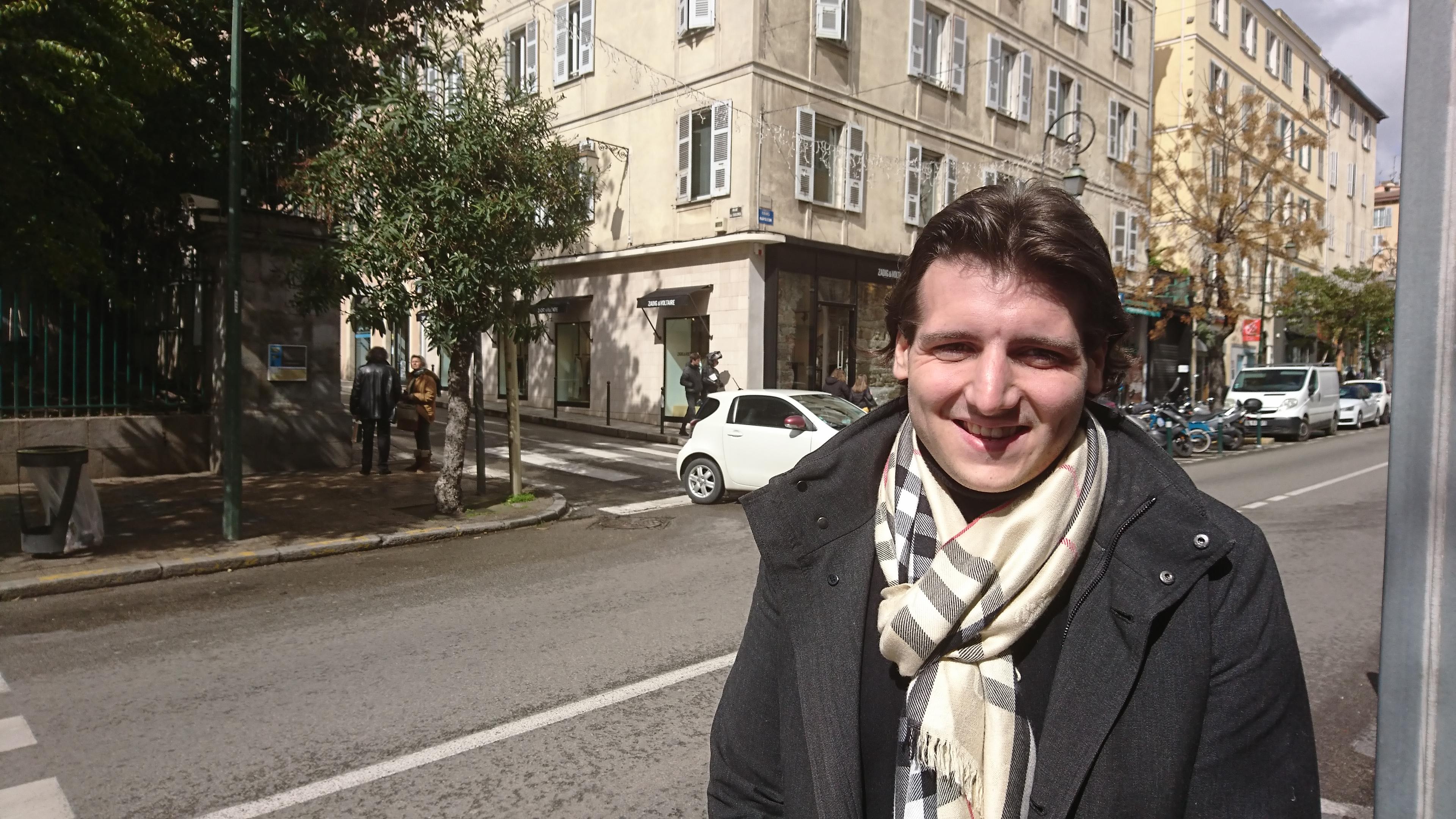 """""""Quelle Europe voulez-vous ?"""" C'est la question que pose aux citoyens Kevin Rocchetti, correspondant Europe pour LREM en Corse."""