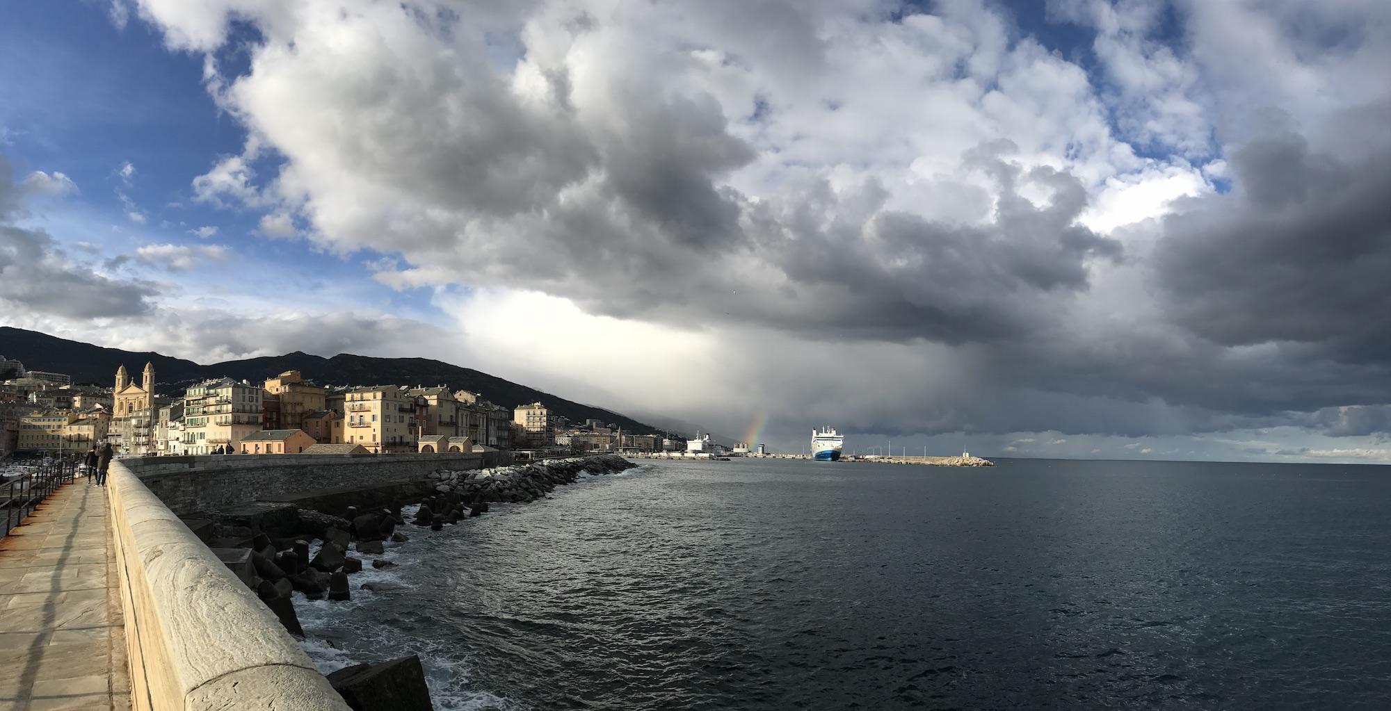 La photo du jour :  A Bastia, sur la jetée de la Madunetta