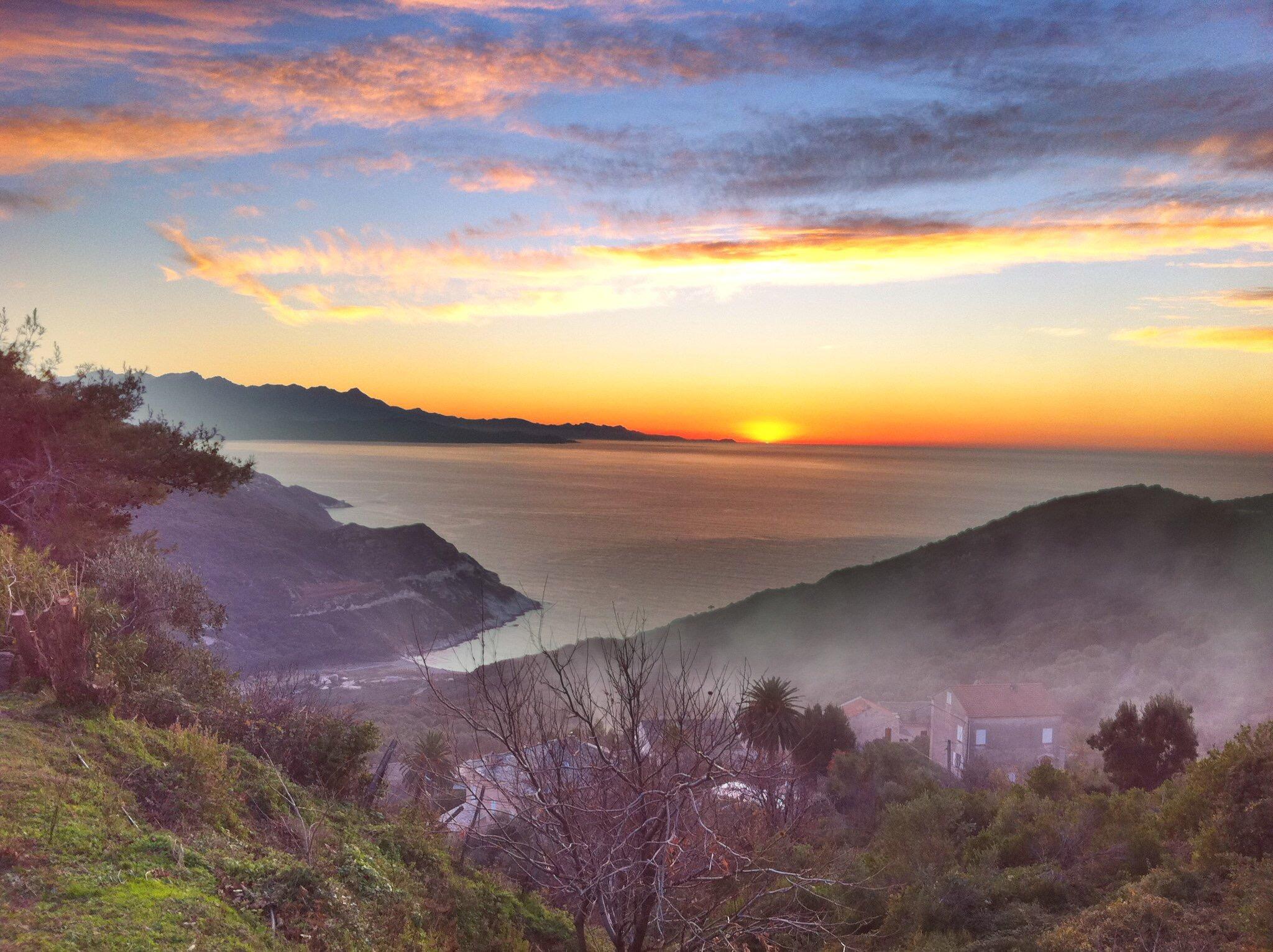 La photo du jour : Coucher de Soleil à Barrettali