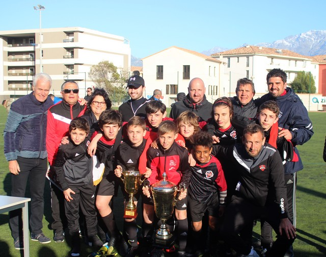Les lauréats du tournoi du FCS Calvi-Challenge Dominique Rutily récompensés