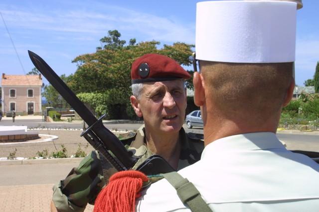 Hommage au Général Beth, ancien commandant de la 11e BP